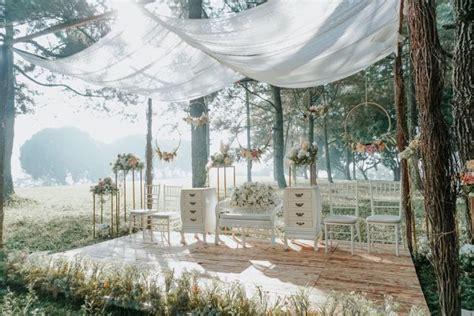 bernuansa rustic  dekorasi wedding  bisa jadi