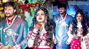 Anubhav, Barsha's marriage reception at Cuttack Indoor Stadium