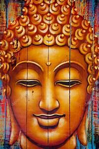 Buddha Bilder Gemalt : buddha gesicht auf holzbohlen gemalt stockfoto watman 66531595 ~ Markanthonyermac.com Haus und Dekorationen