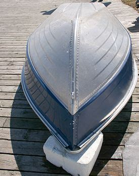 How To Restore Aluminum Pontoons by Best 25 Small Boats Ideas On Pinterest Used Pontoons