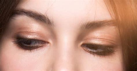 Le maquillage des yeux magnifiez votre regard
