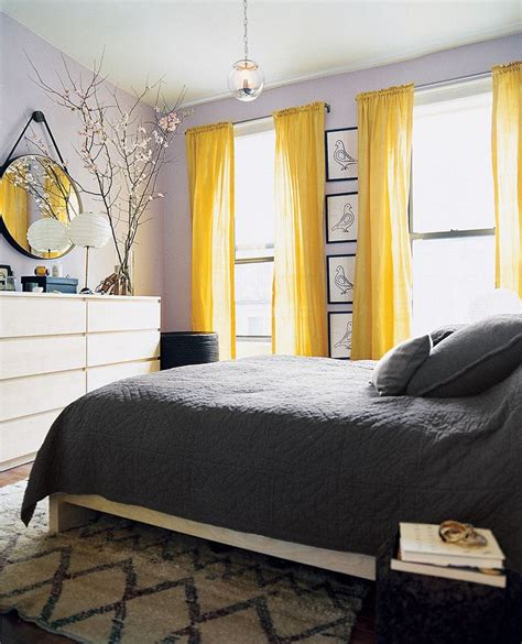 Yellow Bedroom Curtains by Best 25 Yellow Wall Decor Ideas On Yellow