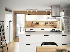 Modeles Cuisine Ikea : 20 id es de cr dence pour am nager votre cuisine diaporama photo ~ Dallasstarsshop.com Idées de Décoration
