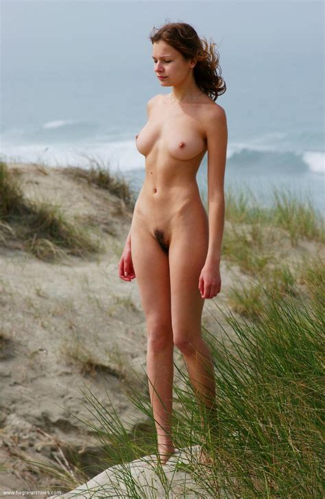 Nude Leggy Girl With Perfectly Shaped Boobies Walking The