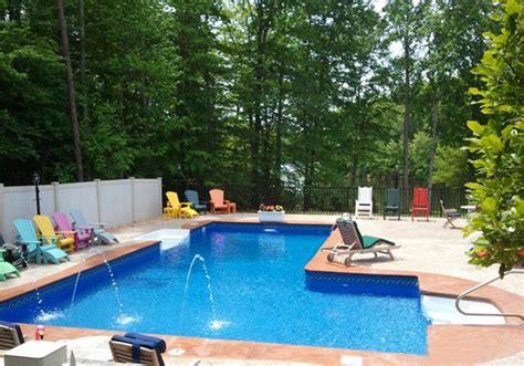 15 Lazy L Swimming Pool Designs