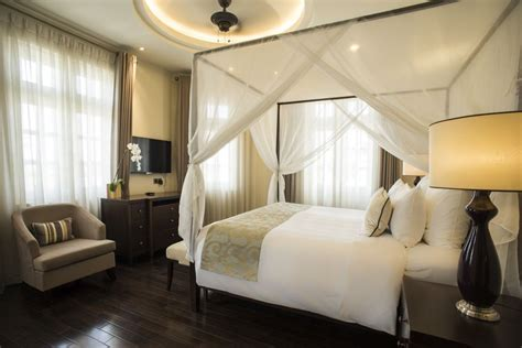 Luxury Hotel Suite With Balcony, Riverview  Villa Song