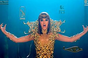 Katy Perry's 'Dark Horse' Video: No Man Can Match The ...