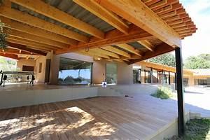 300 m2 de preaux en bois xyleo construction bois With construire auvent de terrasse en bois