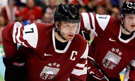 LHF iekļaušanai IIHF Slavas zālē virza Kārli Skrastiņu ...