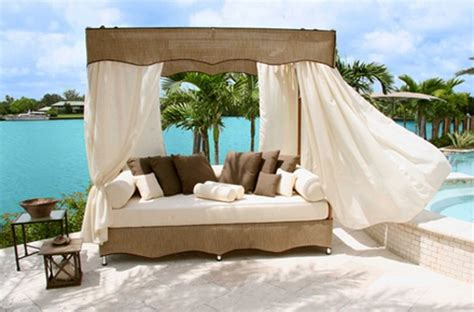 Outdoors Bed : 30 Outdoor Canopy Beds Ideas For A Romantic Summer
