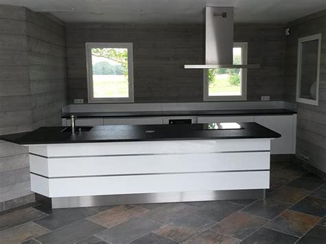 plan de travail cuisine blanc laqué cuisine blanc plan travail noir cuisine nous a