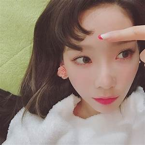 Check out the cute selfies from SNSD TaeYeon - Wonderful ...