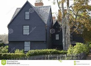 maison en bois americaine photos stock image 269803 With maison en bois americaine