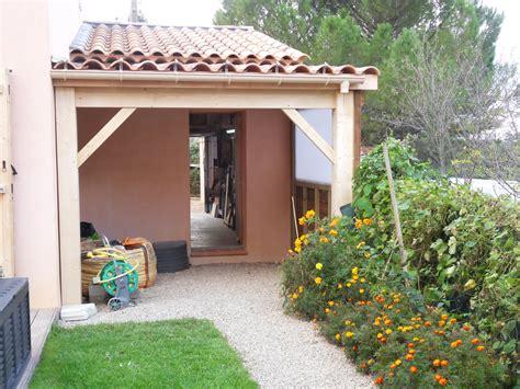 Mccover vous présente un ensemble de produits variés et très complets pour aménager vos extérieurs de maison. Abris bois et aménagement extérieur - Vente et pose de parquet en bois dans le Var - SPPR