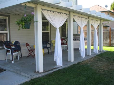 Outdoors Curtains : Four Fun (and Unconventional) Places To Use