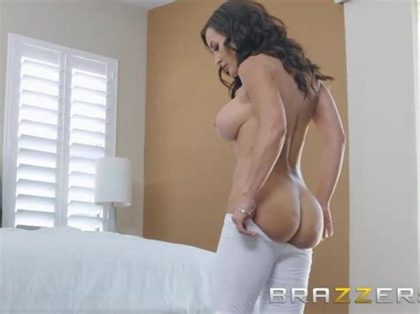 Brazzers Our Queen Is Back Lisa Ann Gets A Rub Down And