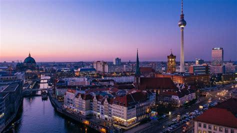 zukunftsatlas  berlin macht riesigen sprung nach