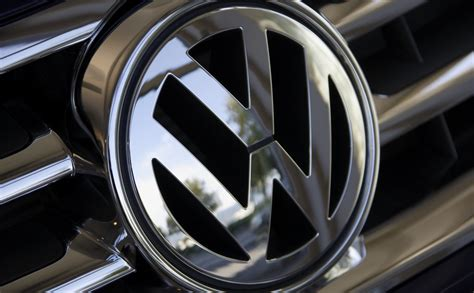 volkswagen buys volvos connected car service