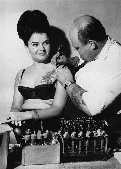 Wonderful Women With Wicked Tattoos: 1900-2000 - Flashbak
