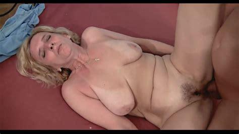 Sexy Older Woman ZB Porn