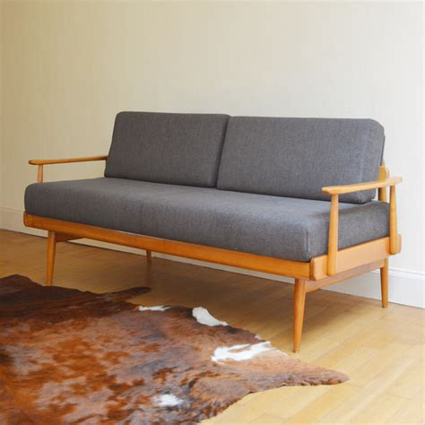 Amazing Vintage Daybed Collection