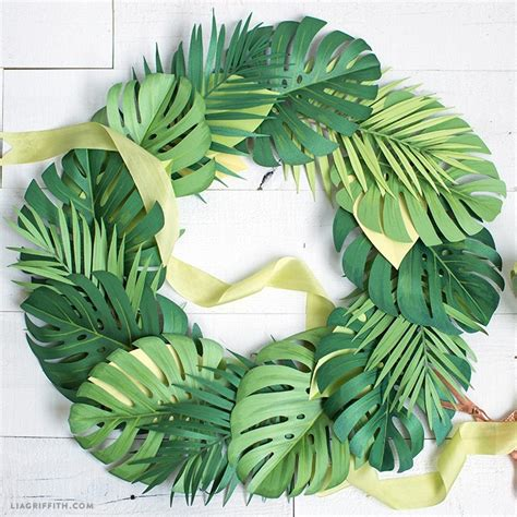 create simple diy summer wreaths  paper monstera leaves