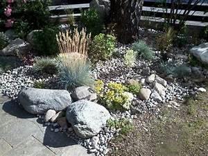 Pflanzen Für Steinbeet : steinbeet f r viel sonne und trockenheit berkdesign ~ Orissabook.com Haus und Dekorationen