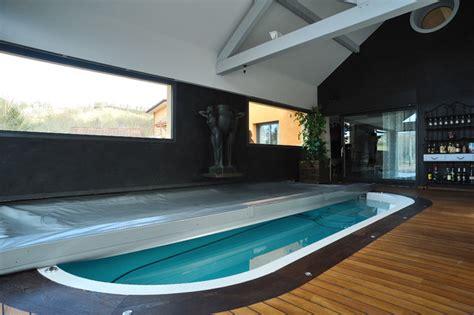 mini cuisines spa de nage intérieur contemporain piscine lyon
