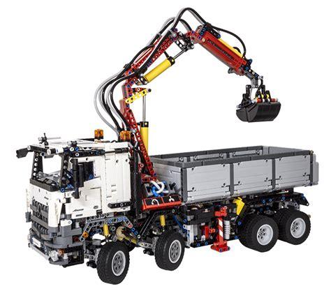 lego technic mercedes review lego technic 42043 mercedes arocs 3245