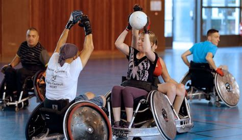 rugby en fauteuil roulant discipline paralympique le rugby en fauteuil roulant prend essor en l express