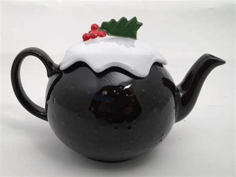 Spode Christmas Tree Teapot by Brown Betty 6 Cup Christmas Pudding Teapot