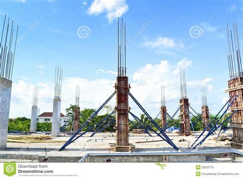pilier de ciment de b 226 timent dans le site de construction photo libre de droits image 30002715