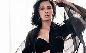 'Rockstar' actress Nargis Fakhri conned online : India ...