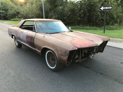 1965 Buick Riviera Parts by 1965 Riviera Parts Car Shell Along With Parts 401 A C