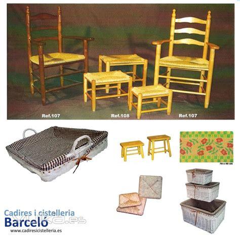 sillas mesas  taburetes de madera cesteria de mimbre en barcelona