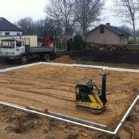 Fundament Und Bodenplatte : fundament verdichtung mit kies f r die bodenplatte hausbau blog ~ Whattoseeinmadrid.com Haus und Dekorationen