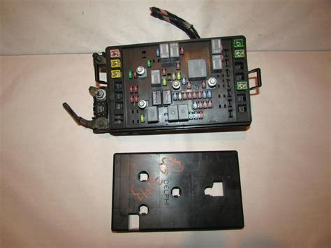 Picture And Description Of The Fuse And Relay Box On A 97 Toyotum Camry by 97 01 Toyota Camry Relay Fuse Box Block Panel 535 Ebay