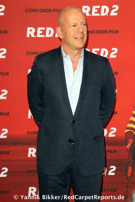 bruce willis mit red   muenchen redcarpet reports