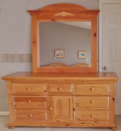 broyhill quot fontana quot dresser and mirror ebth