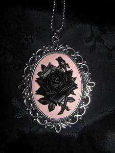 Gothic Black Rose Necklace   My Gothic Dreams   Pinterest