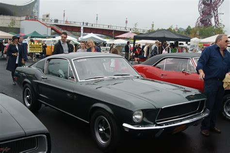 View Of A   V Ford Mustang Gt In Robert Lamb