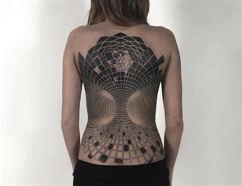 geometric tattoos cover  body  mesmerizing mandala