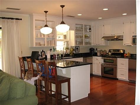 ideas for the kitchen like the pendant lights the