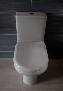 Wc Spülkasten Reparieren : toilettensitz befestigung darauf ist beim montieren zu ~ Michelbontemps.com Haus und Dekorationen