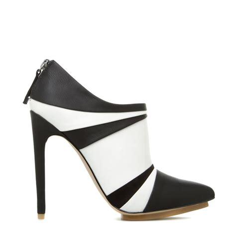 black boots kameko shoedazzle shoes black white