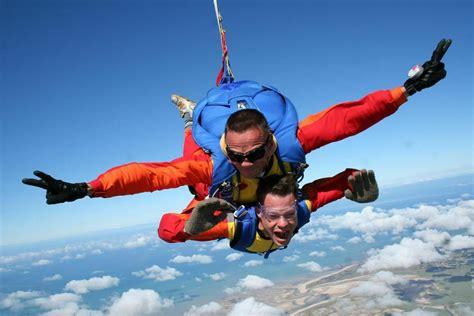 cadeau no 235 l saut en parachute cadeau no 235 l parachutisme mont michel en manche parachutisme