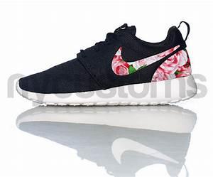 FREE SHIPPING -- Nike Roshe Run Black White Bushel of ...