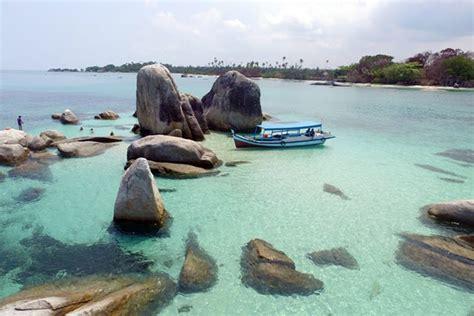 foto pantai tanjung kelayang belitung  dimana