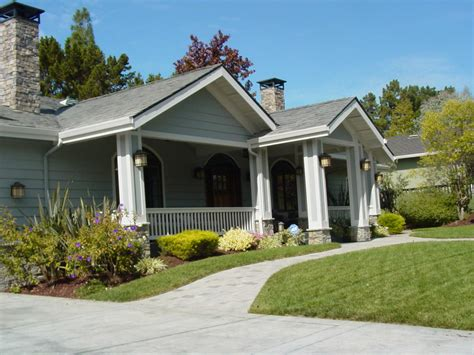 Front Entrance Designs For Colonial Homes Exterior