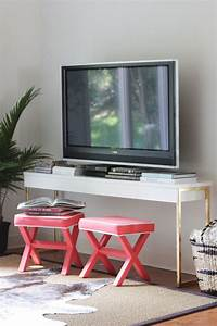 Table Tv Ikea : diy gold leaf ikea console table the everygirl ~ Teatrodelosmanantiales.com Idées de Décoration
